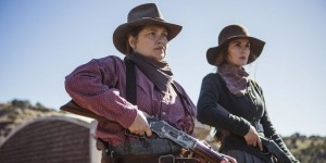 Merrit Wever and Michelle Dockery in Godless