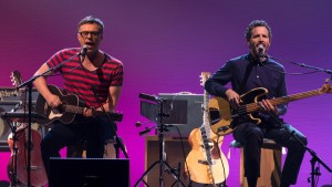 Jemaine Clement and Bret McKenzie in Flight of the Conchords: Live in London